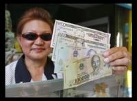 Người Việt ồ ạt sang Campuchia rút USD