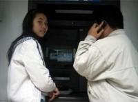 """Khách hàng bức xúc vì hàng loạt máy ATM lại """"tê liệt"""""""
