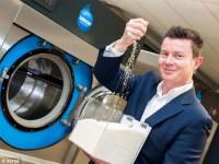 Chế tạo máy giặt dùng hạt polymer làm sạch quần áo