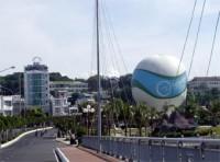 Nha Trang đưa khinh khí cầu và sân golf phục vụ du khách trên bãi biển