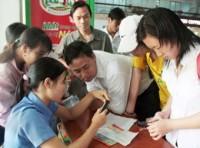 Ga Hà Nội bắt đầu bán vé tàu Tết