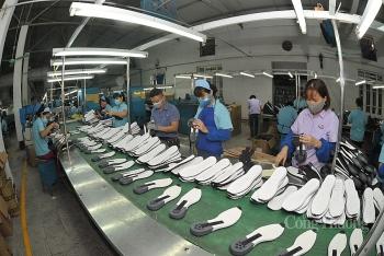Xuất khẩu giày dép: Tăng nhưng chưa hết lo