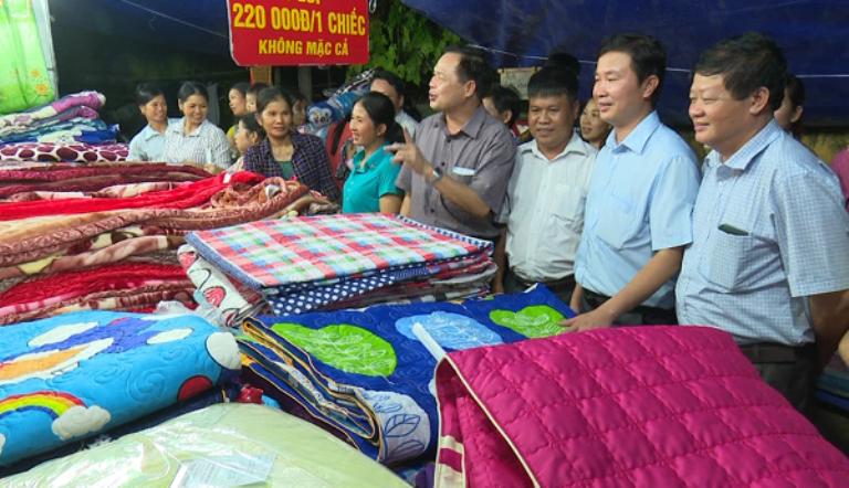 Bắc Kạn tổ chức thành công 4 phiên chợ hàng Việt về miền núi