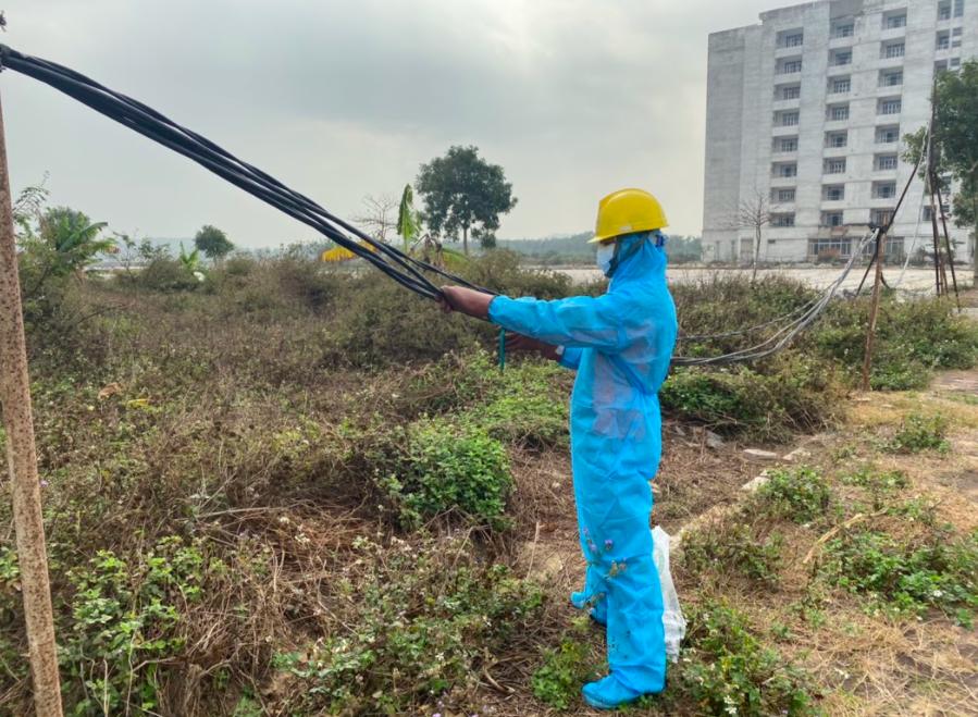 PC Hải Dương: Vượt khó đảm bảo điện cho bệnh viện dã chiến Sao Đỏ