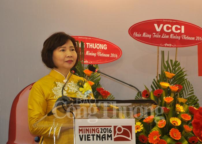 Thứ trưởng Hồ Thị Kim Thoa phát biểu tại Lễ khai mạc