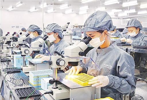 Vì sao cần ưu tiên chống dịch cho khu công nghiệp, nhà máy?