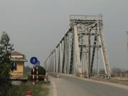 Tạo thuận lợi cho người dân lưu thông qua cầu Việt Trì, Hạc Trì