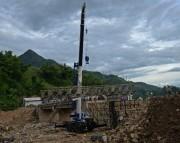 Thủy điện Sơn La: Làm cầu giúp dân vùng lũ quét