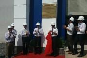 Công đoàn EVNHCMC: Gắn biển thi đua nhiều công trình điện