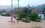 Lưới điện nhiều khu vực miền Trung bị ảnh hưởng vì mưa lũ