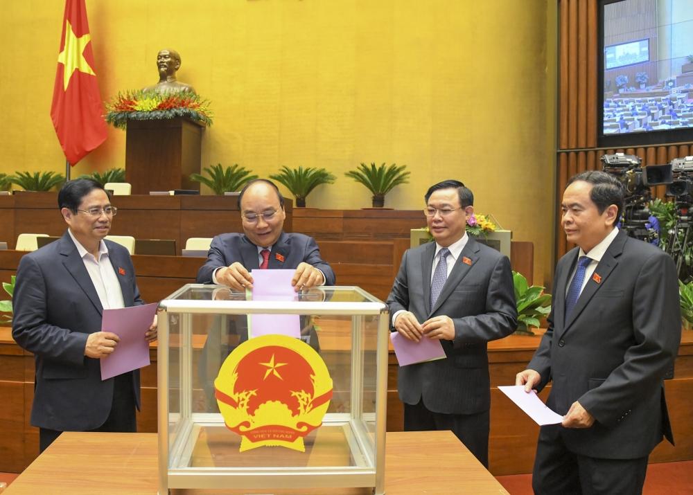 Quốc hội miễn nhiệm Phó Chủ tịch nước, Tổng Thư ký Quốc hội, Tổng Kiểm toán Nhà nước