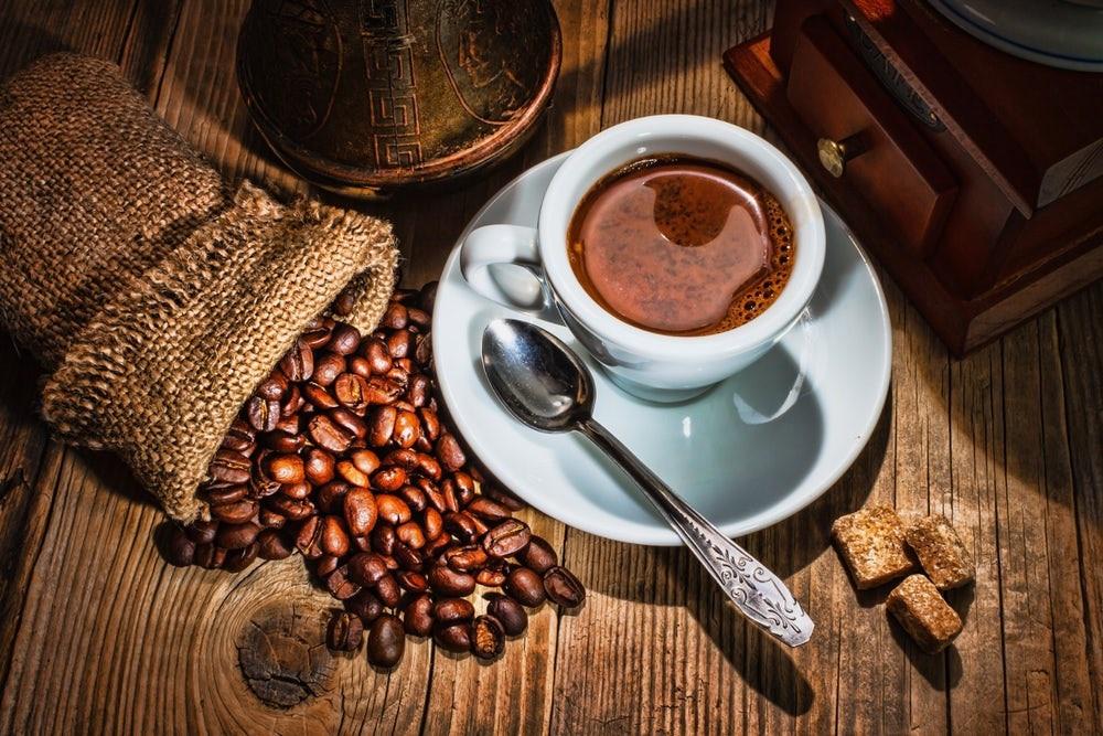 Giá cà phê hôm nay 5/5: Tăng 100-200 đồng/kg
