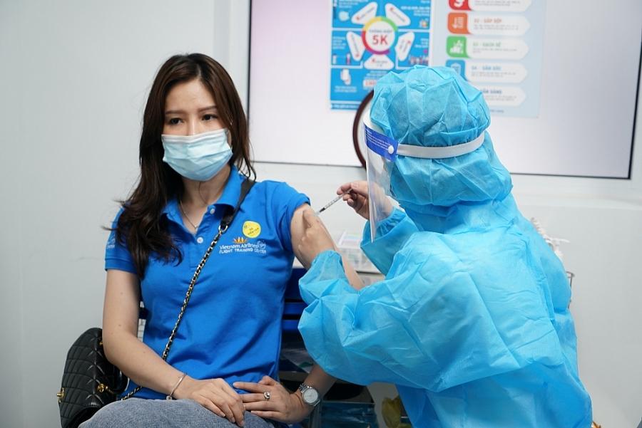 """Vaccine Covid-19: """"Lá chắn"""" để hàng không vững bước giữa đại dịch"""
