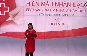 khoang 500 nguoi tinh nguyen tham gia ngay hoi hien mau nhan dao festival trai tim nhan ai nam 2019