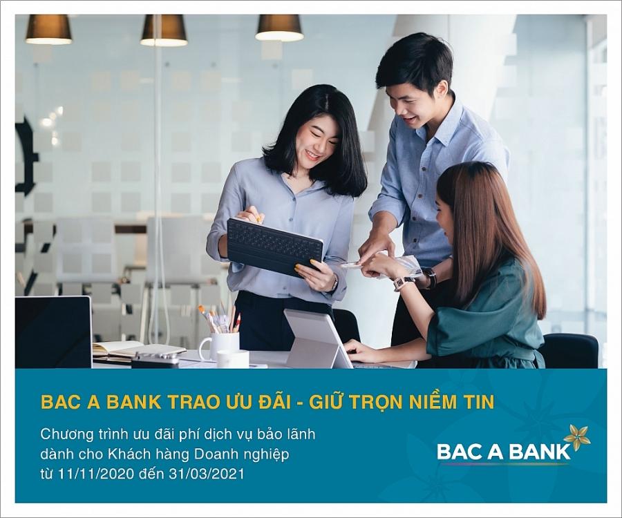 1037-qc-ct-bac-a-bank-trao-uu-dai-giu-tron-niem-tin-02