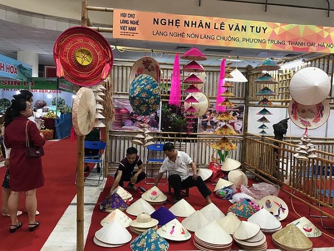 hanoi gift show 2019 dua hang thu cong my nghe vuon ra bien lon