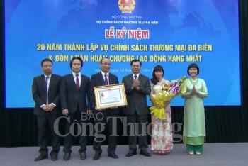 vu chinh sach thuong mai da bien vinh du duoc don nhan huan chuong lao dong hang nhat
