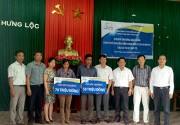 Bảo Việt chi trả tiền bảo hiểm cho gia đình hai thuyền viên bị nạn tại Quảng Ninh