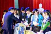 Petrolimex Điện Biên tặng quà học sinh nghèo vượt khó