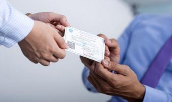 Đổi mẫu bảo hiểm y tế mới: Không gây khó khăn, ách tắc cho người dân