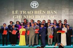Hà Nội trao bằng khen cho Đại học Anh quốc Việt Nam