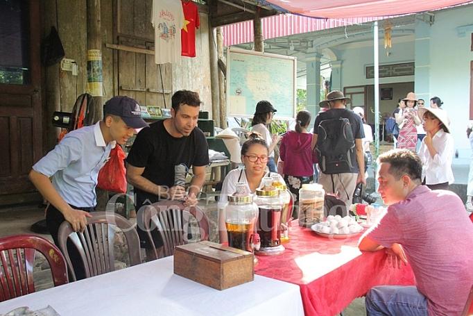 lang chai viet hai khoang troi yen binh