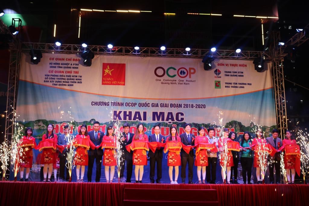 ha no i khai mac hoi cho ocop qua ng ninh xuan 2019 lan dau tai big c thang long