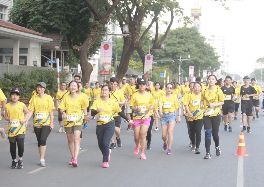 resolution run 2019 trao tang 100 trieu dong cho benh nhan dai thao duong
