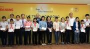 Sun Life Việt Nam trao tặng 350 suất học bổng « Vì tương lai tươi sáng »