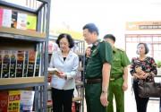 Viettel tặng sách các trại giam trên toàn quốc
