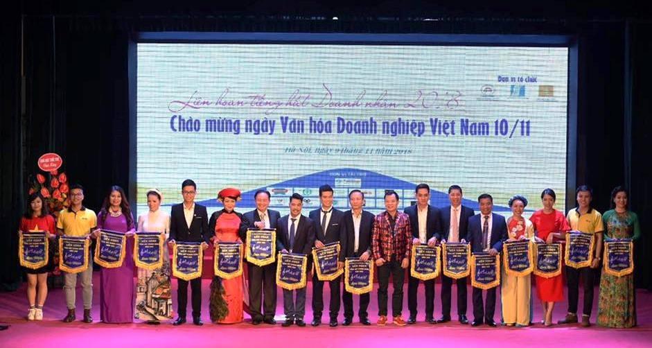lien hoan tieng hat doanh nhan 2018 san choi giao luu van hoa doanh nghiep