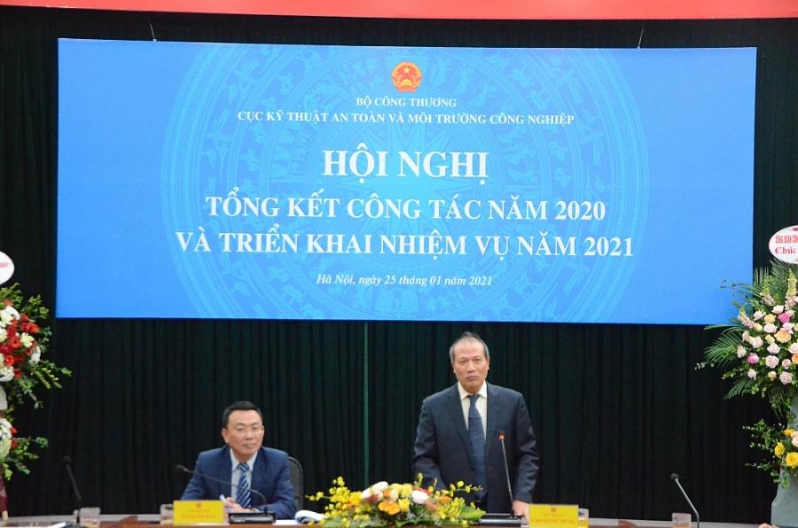 Thứ trưởng Bộ Công Thương Cao Quốc Hưng phát biểu tại hội nghị