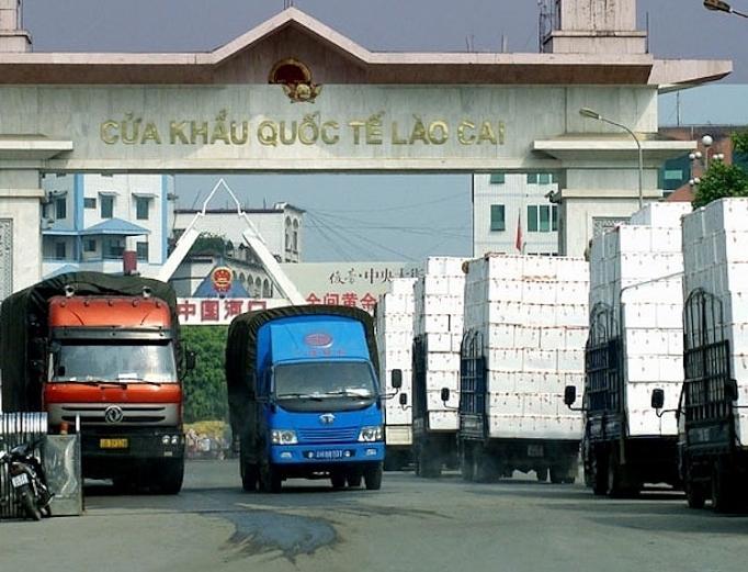 38493 xe hang hoa xuat khau qua cac cua khau bien gioi phia bac