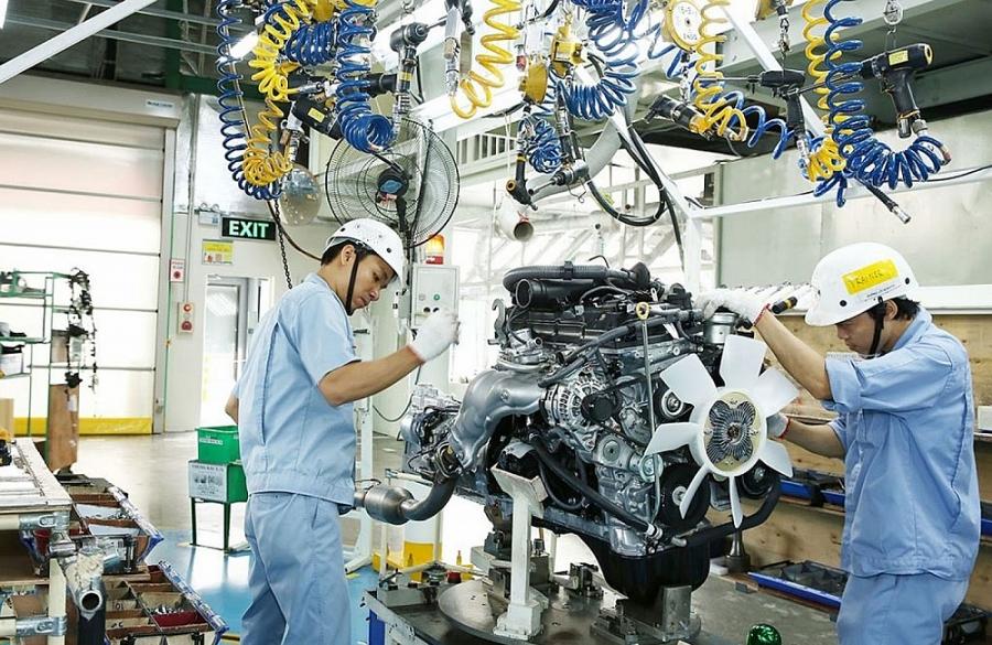 4 tháng năm 2021, chỉ số sản xuất công nghiệp tăng 10% so với cùng kỳ năm trước, trong đó ngành chế biến, chế tạo tăng 12,7%.