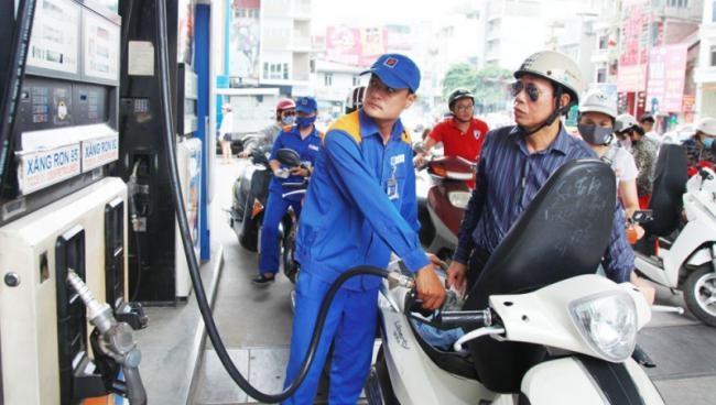 Giá xăng ổn định, giá dầu tăng