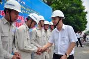EVN HANOI sát hạch tay nghề cho công nhân đội sửa chữa điện nóng
