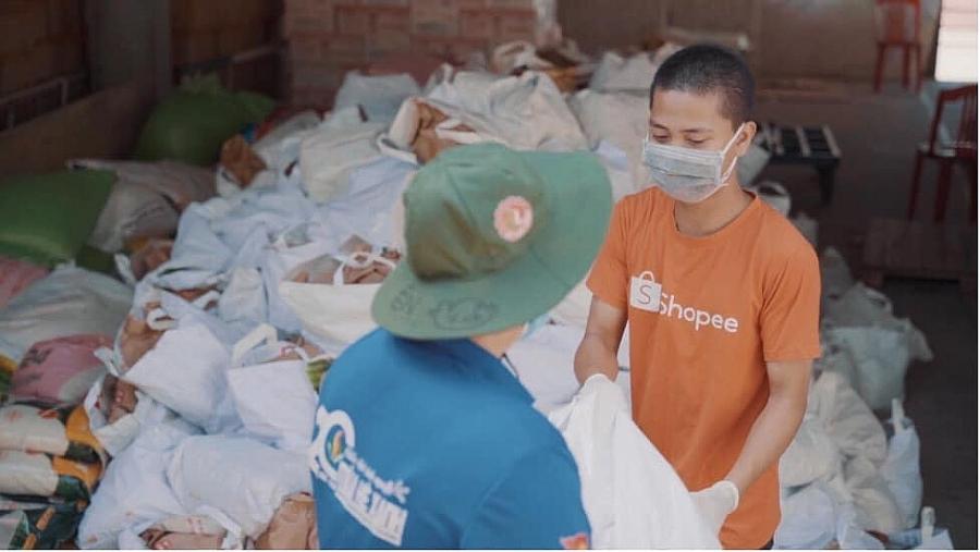 """Chương trình """"Thực phẩm bình ổn"""" là một trong những sáng kiến của sàn TMĐT Shopee phối hợp với Cục Thương mại điện tử và Kinh tế số nhằm góp phần phục vụ nhu cầu thiết yếu của người dân thành phố."""