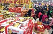 Thị trường Tết âm lịch: Sức mua tăng, giá cả ít biến động