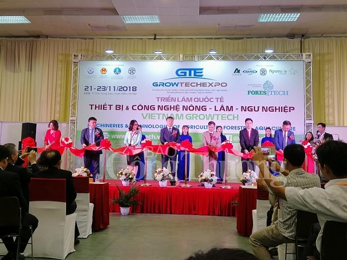vietnam growtech 2018 san giao dich thiet bi cong nghe nong nghiep lon nhat tai viet nam