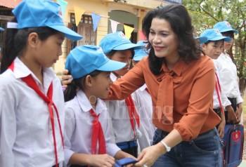 khat khao duoc cong hien cho que huong dat nuoc