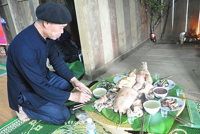 net van hoa truyen thong dan toc thai