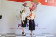 RMIT trao học bổng tiến sĩ cho nữ giảng viên đại học
