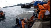 Khánh Hòa cứu thành công 8 thuyền viên và tàu cá gặp nạn