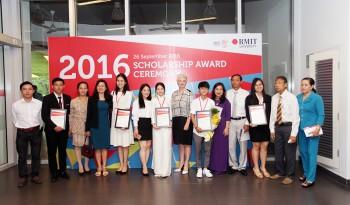 Đại học RMIT tặng 35 tỷ đồng học bổng cho sinh viên