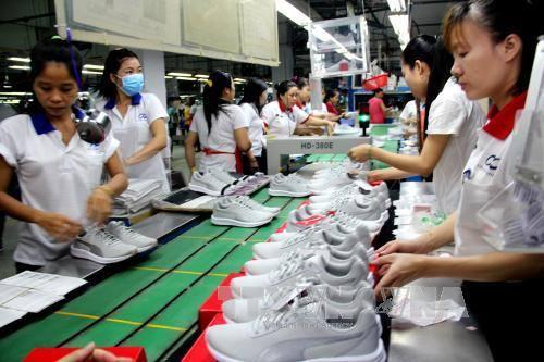 Kết quả hình ảnh cho sản xuất giày dép lớn tại Mỹ