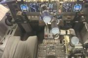 Khám phá robot làm phi công phụ trên máy bay