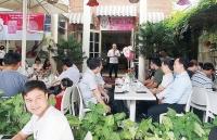 lan toa ly cafe yeu thuong
