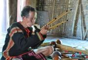 Đam mê chế tác nhạc cụ dân tộc