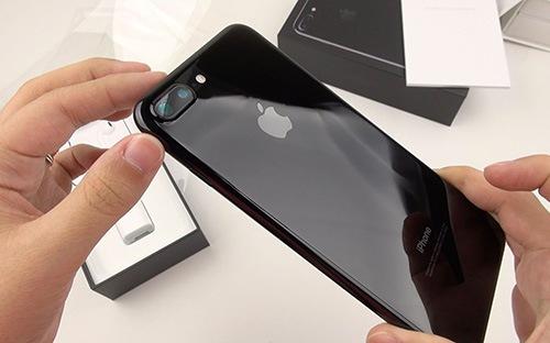 10 smartphone được người Việt mua nhiều nhất 6 tháng đầu 2017