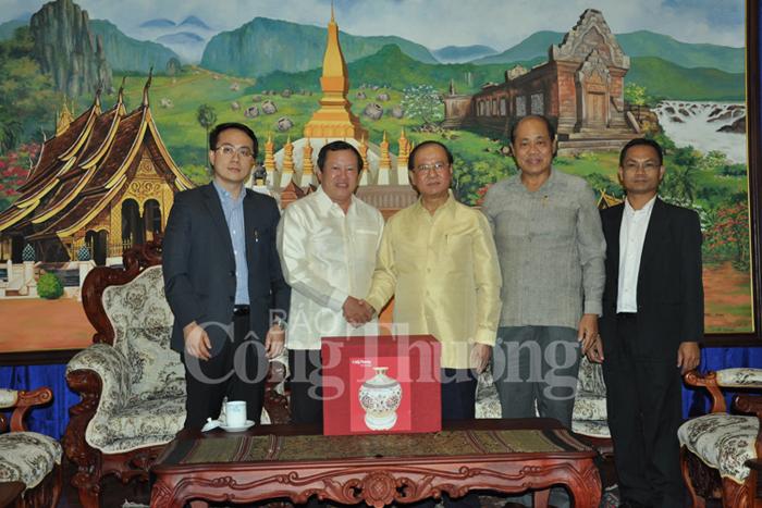 Việt Nam - Lào: Đẩy mạnh hợp tác hỗ trợ thông tin